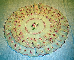 Art Deco ruffled nylon doily embroidered with pink roses hc1734