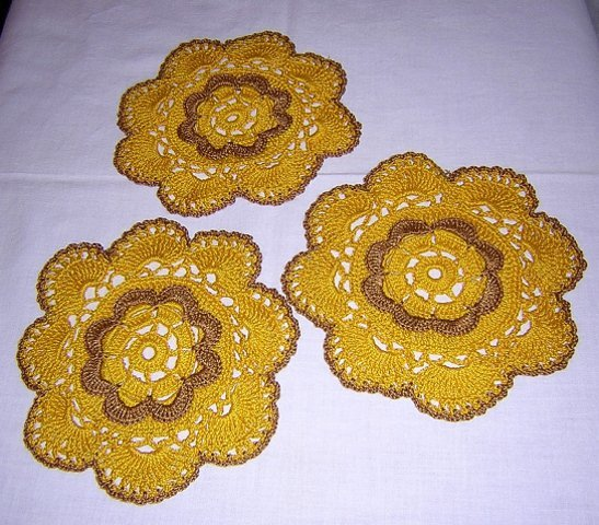 3 hand crocheted vintage doilies retro ochre/brown hc1755