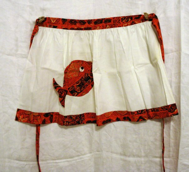 Half apron with batik print trim and fish pocket unused vintage hc1811