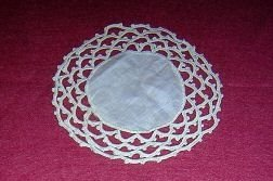 2 Tatted and linen doilies or mats tiny antique off white hc1881