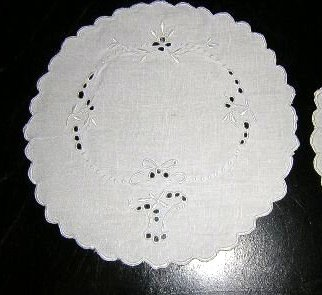 2 Table mats Victorian tiny linen whitework embroidery hc1891