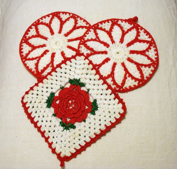 3 Red white hand crocheted potholders hot pads pair and spare vintage hc1975