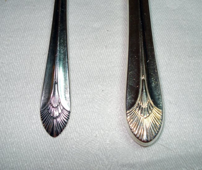 1865 Wm. Rogers Manhattan silverplate knife soupspoon vintage hc2020