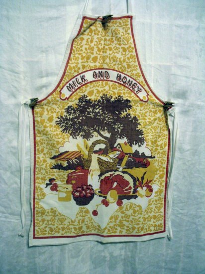 Milk and Honey cotton apron Dodo Designs England vintage hc2070