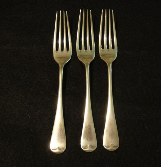 3 Antique luncheon forks silver plate A P Co 19th century antique silver hc2106