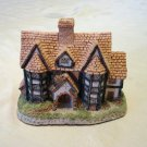 David Winter Shirehall 1985 handmade miniature house Engliand vintage collectibles hc2152
