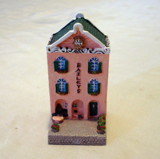Baileys Limited Edition miniature Irish pub 1998 pink stucco advertising collectible hc2156