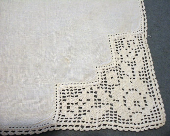 Antique linen napkins x3 filet lace rose corners handmade hc2174