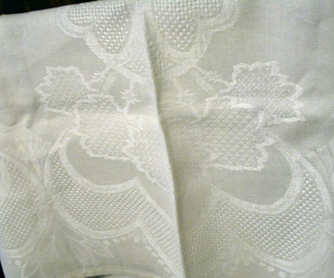 Jacquard linen white bath towel floral and lattice motif antique linens  hc2187