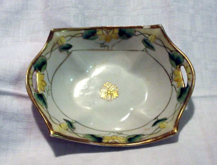 Hand painted Nippon candy or nut dish Art Nouveau app 1911 antique hc2203