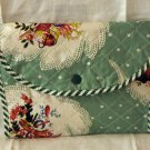 Vintage printed quilted plastic accordian hosiery case perfect condition hc2283