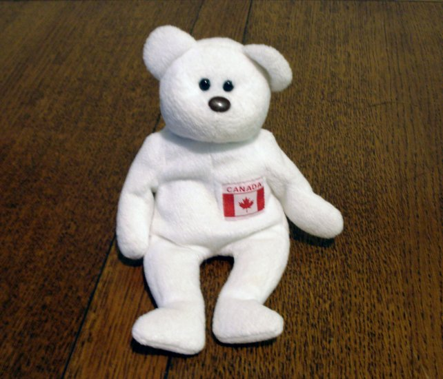 Maple the Canadian bear Ty Beanie Baby toy retired hc2364