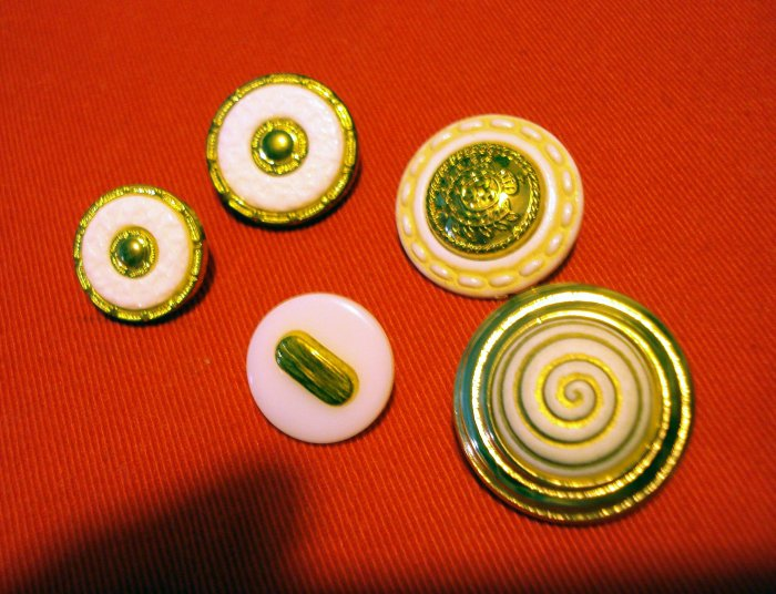 Buttons odd lot of 5 gold and white vintage metal plastic with shanks for crafts jewelry hc2416