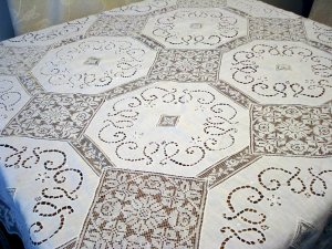 Antique linen and lace tablecloth filet lace open cut work hc2450