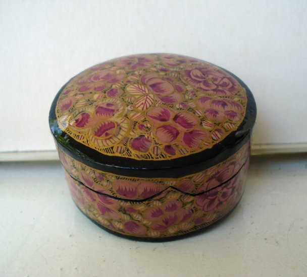Paper mache box handpainted made in India rose gold black hc2496