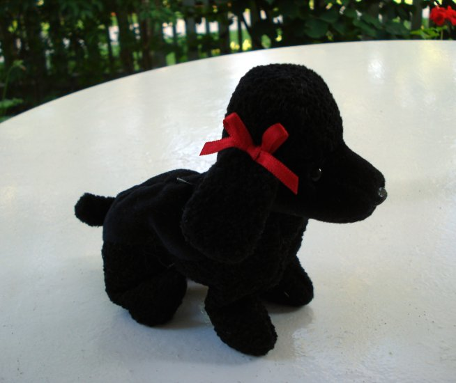 Gigi the black French poodle Ty Beanie Baby toy retired mint hc2515