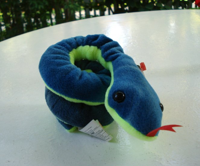 Hissy the snake Ty Beanie Baby toy retired mint hc2517