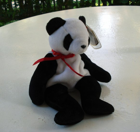 Fortune the panda bear Ty Beanie Baby toy retired mint hc2518