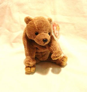 Pecan the brown honey bear Ty Beanie Baby toy 1999 retired mint hc2857