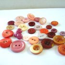 Lot of 31 mixed plastic buttons pinks roses vintage hc2973