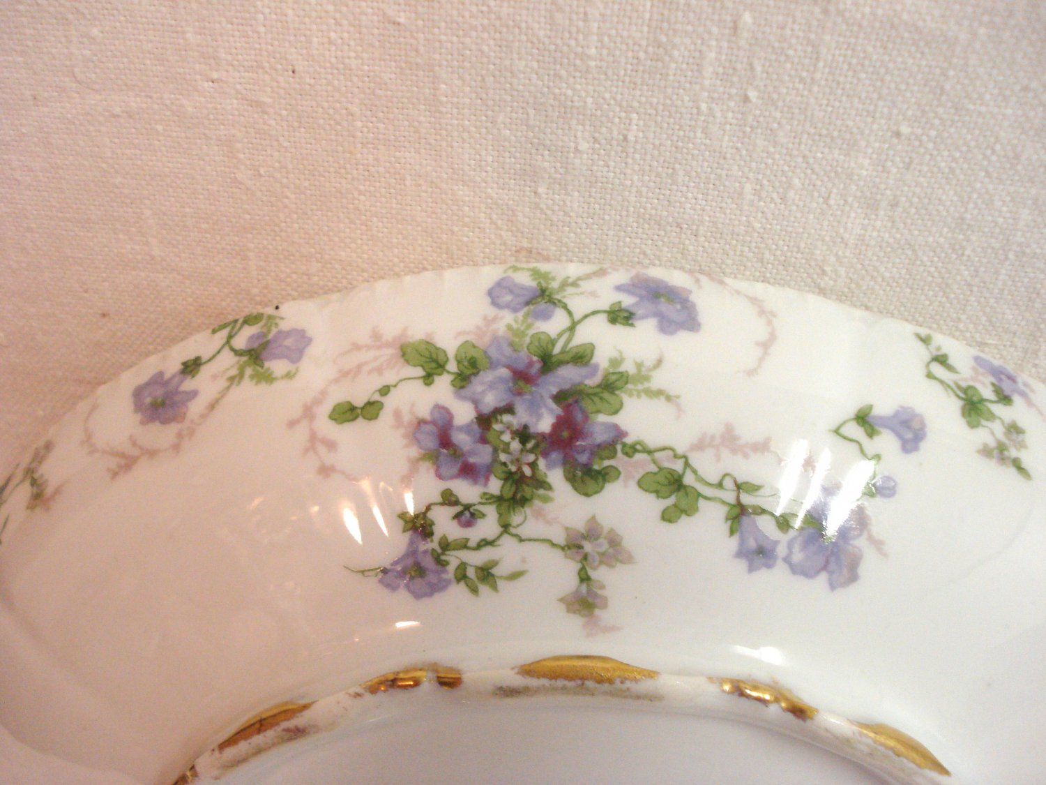 Limoges Havilland porcelain serving dish Ch. Field purple flowers gold excellent France hc3257