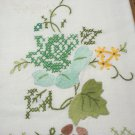Pair cross stitched and appliqued guest towels floral cotton excellent vintage hc3276