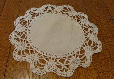Set of 3 identical doilies ecru linen centers wide hand bobbin lace border hc3339