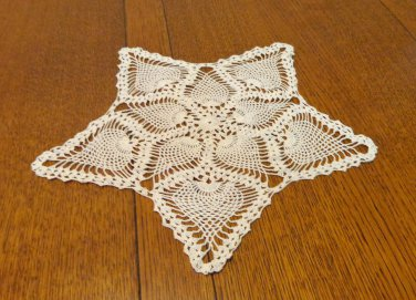 2 Crocheted lace doilies mat pineapple pattern handmade vintage hc3359