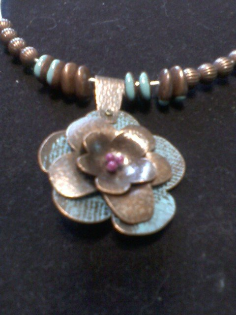 """""""Floral Beauty"""" Wire Necklace"""