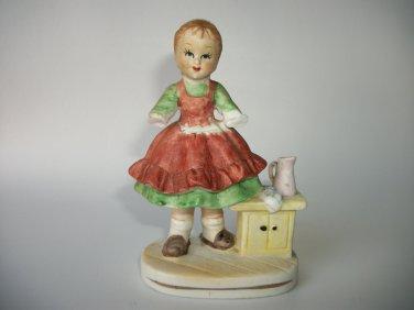 VINTAGE CLEANING MAID GIRL FIGURE MADE IN JAPAN FINE QUALITY LEGO