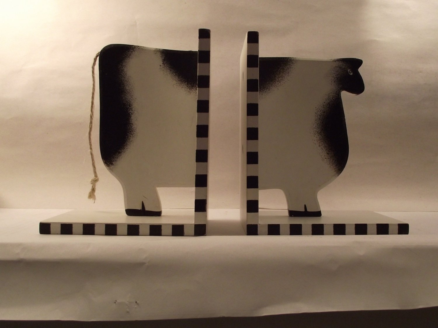Wooden Cow Bookends Country Primitive Kitchen Home Decor
