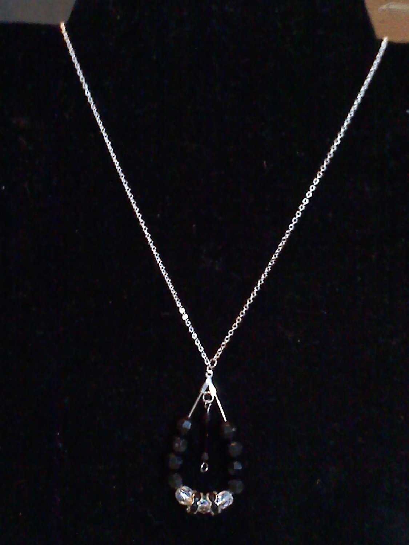 Tear drop hollow necklace