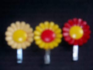 3 Flower Magnet Note Holder Red Yellow