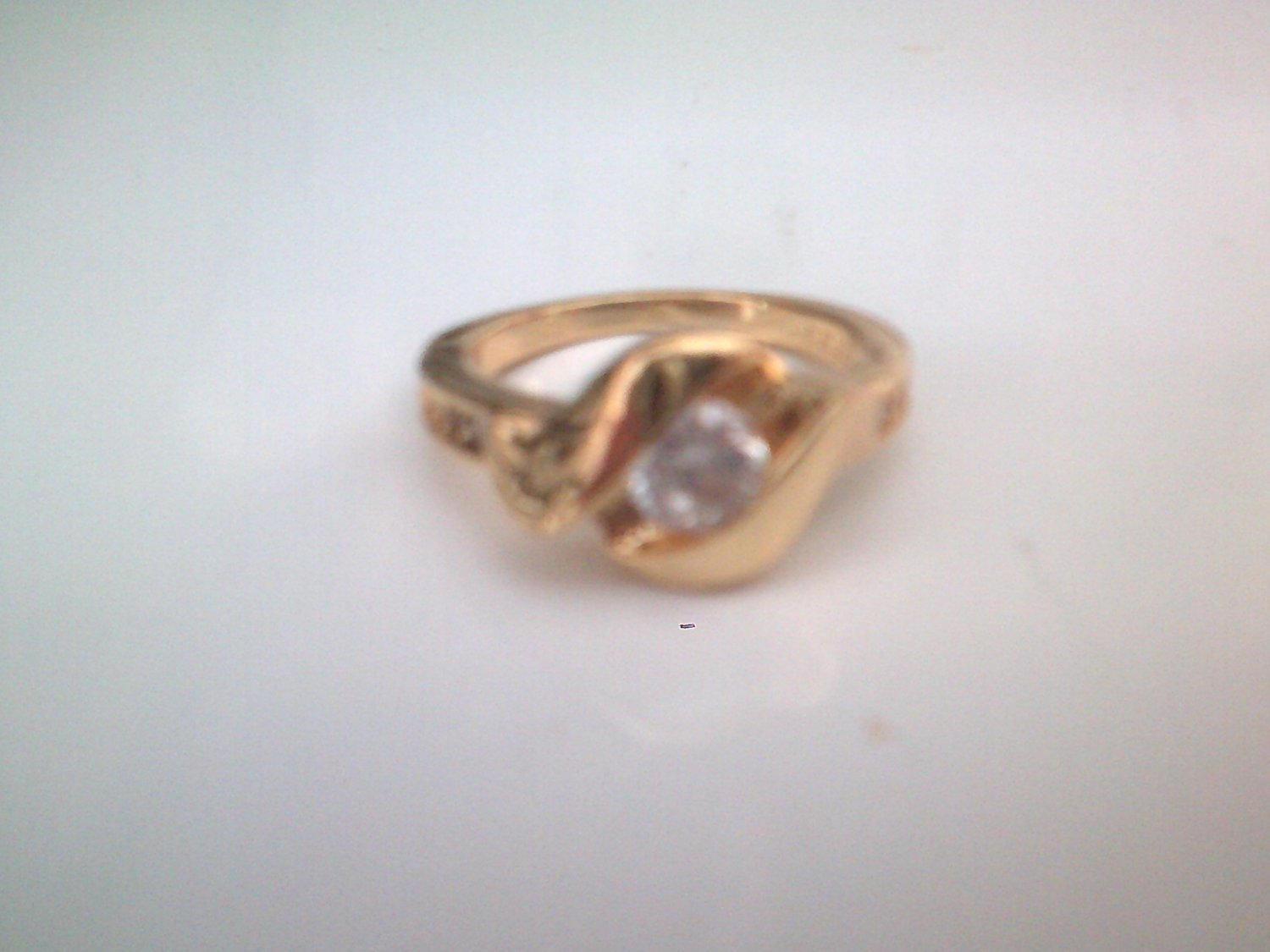 18k gold plated ring with clear cubic zirconia stones size 7