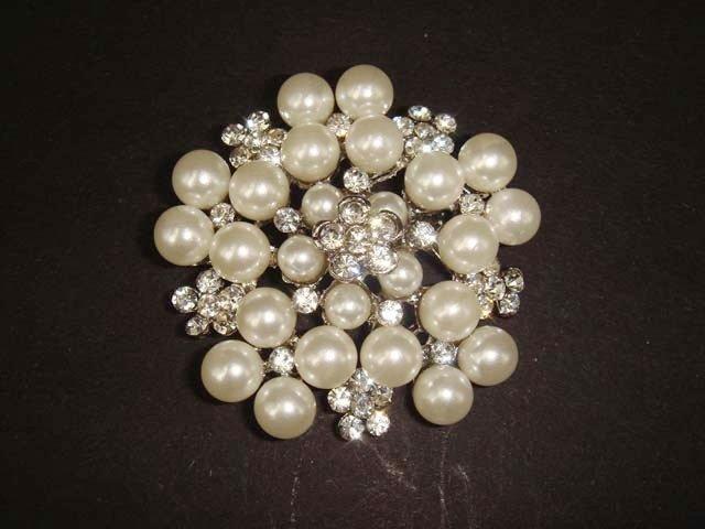 Bridal Faux Pearl Cake top Rhinestone pin brooch PI423
