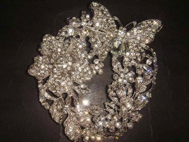 Bridal Wreath Butterfly Rhinestone Brooch pin PI384