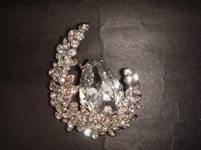 Bridal dress cake moon Rhinestone Brooch pin Pi403