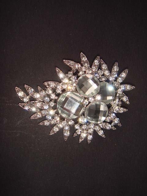 Bridal Vintage style Rhinestone Brooch pin Pi335