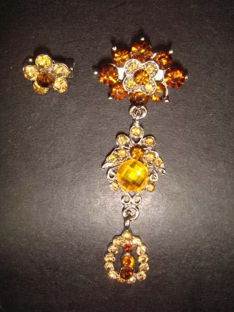 2 pcs Bridal Vintage Style Rhinestone Brooch pin Pi159