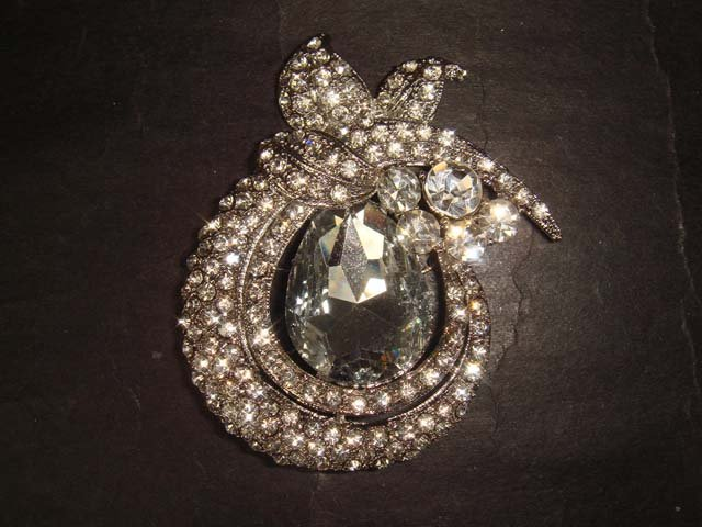 Bridal dress Vintage Style Rhinestone Brooch pin Pi400