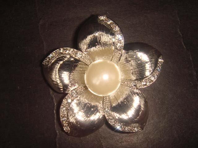 Bridal cake Faux pearl Rhinestone Brooch pin PI387