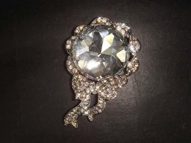 Bridal Bling Vintage style Rhinestone Brooch pin Pi336