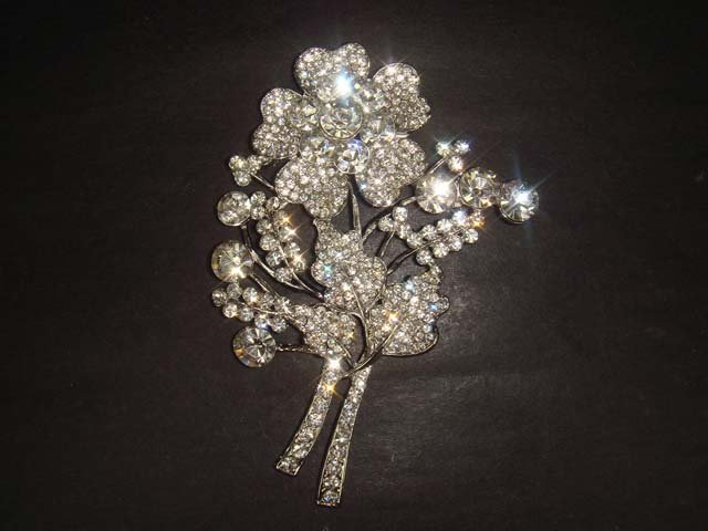 Bridal Dress Flower Bling Rhinestone Brooch pin Pi317