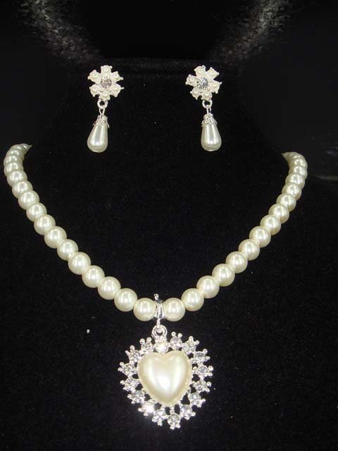 Bridal Faux Pearl Heart earring necklace set NR221