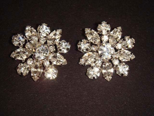 2 pc Bridal dress crystal sewing Rhinestone button BN1