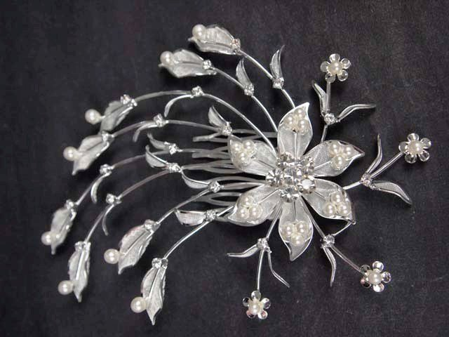 Bridal faux Pearl Crystal Rhinestone Flower Headpiece Hair tiara Comb RB564