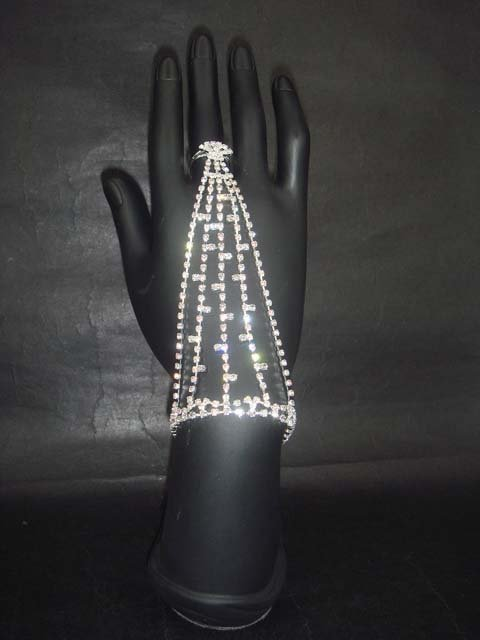 Sexy Belly dance Rhinestone cuff slave Bracelet with ring BR198