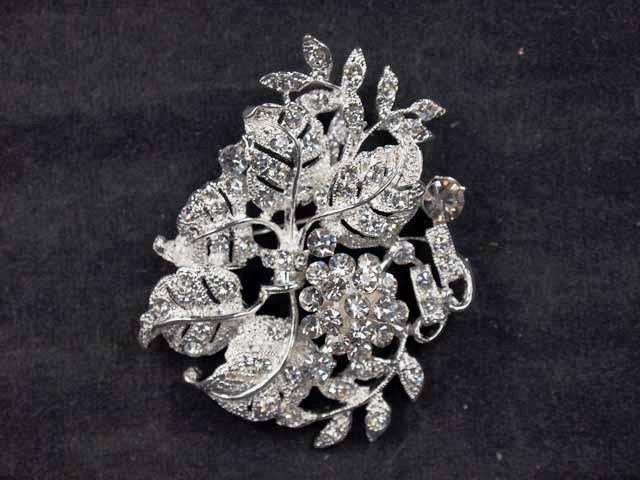 Bridal leave cake scarf dress decoration crystal Rhinestone Brooch pin PI531