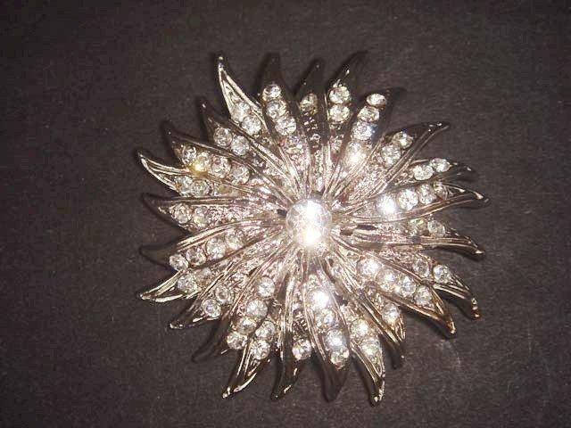 Bridal Crystal cake scarf dress decoration Rhinestone Brooch pin PI494