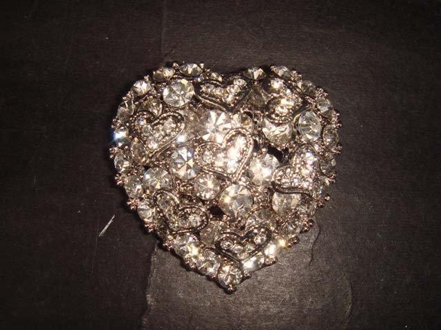Bridal Heart Vintage Style crystal Rhinestone Brooch pin Pi399